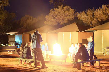 Around the campfire at Yulara